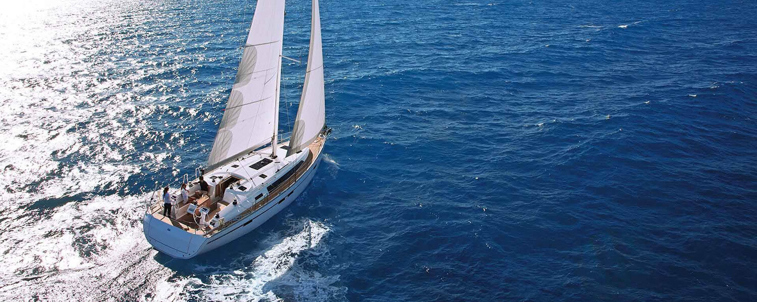 Discover the sailing paradise in Greece